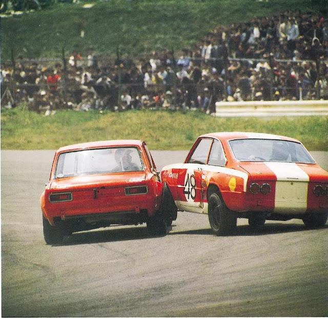 Nissan Skyline GT-R, Mazda R100, Hakosuka, sportowe klasyki, stare wyścigi samochodowe