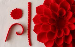 como hacer un broche de fieltro con forma de flor