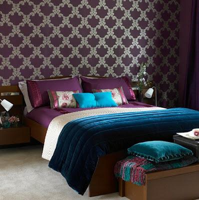 dormitorio color púrpura