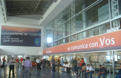 Voseo at a Nicaraguan airport