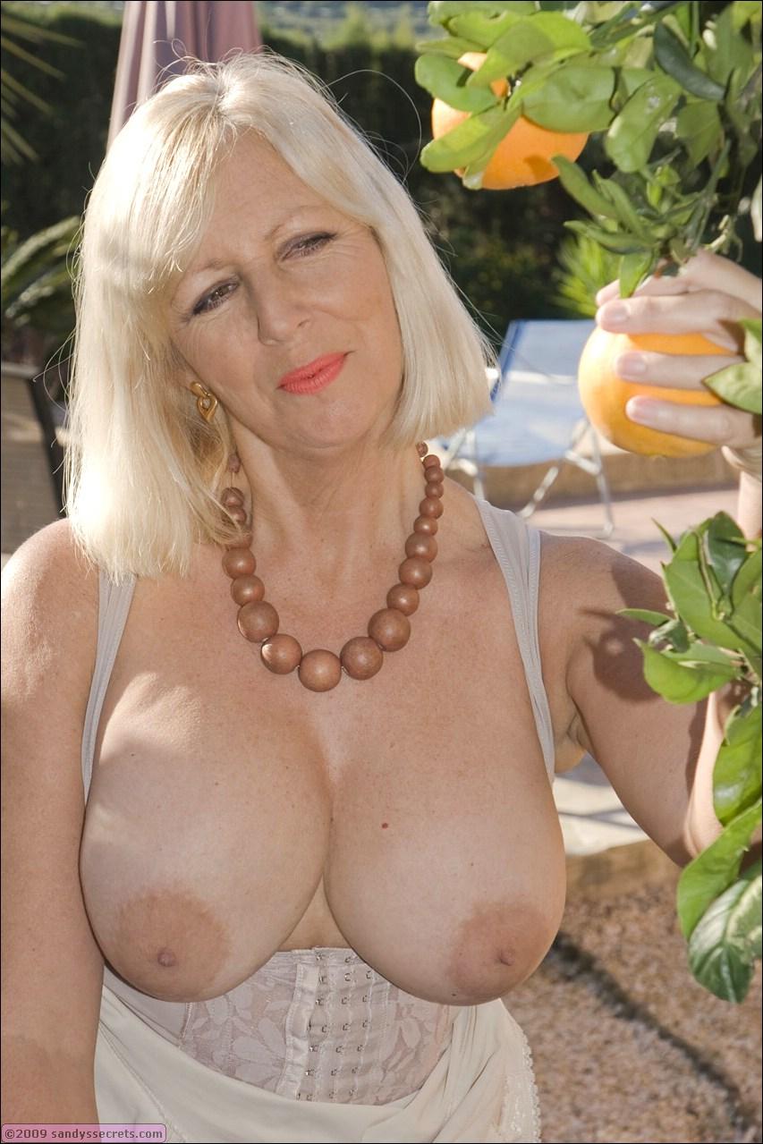 naked older spanish women