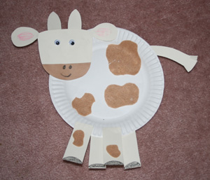 Print our template and assemble the pieces onto a paper plate body. Then add some felt spots to create soft fuzzy patches to add a fun texture to this cute ... & Farm Animal Crafts | Farm Animals