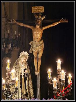 XII Estación. Jesús en la Cruz, su Madre y el Discípulo