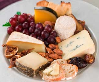 Assembling A Cheese Plate & The Daily Learning: Assembling A Cheese Plate