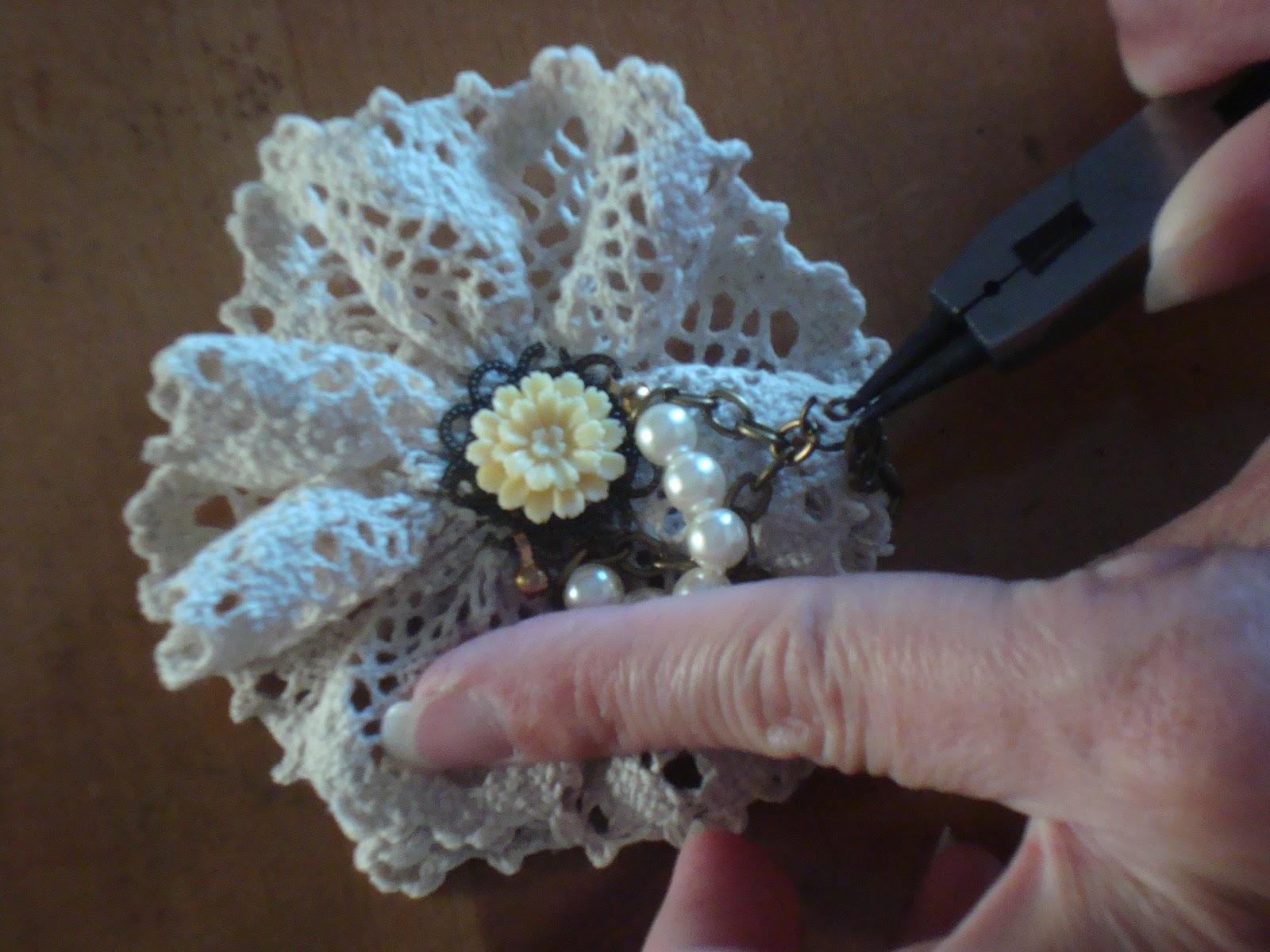 Как сделать цветок из ткани на платье своими руками? 30