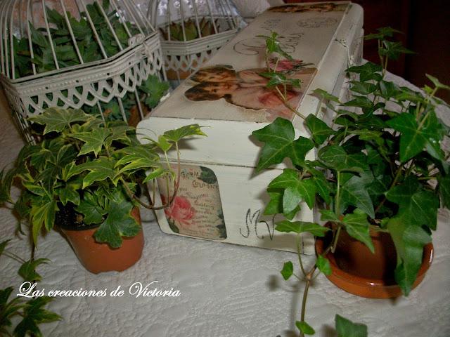 Las creaciones de Victoria. Vintage .Decoupage. Caja de vino reciclada
