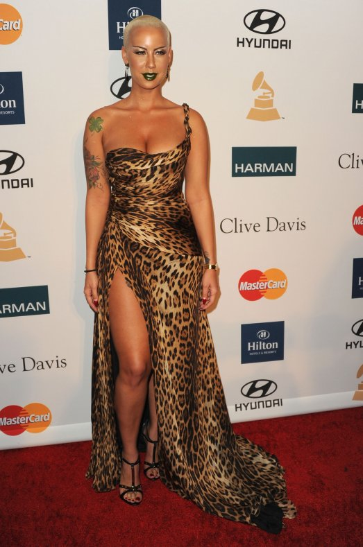 SPOTTED: AMBER ROSE WEARING GREEN LIPSTICK & AN ANIMAL PRINT GOWN ...