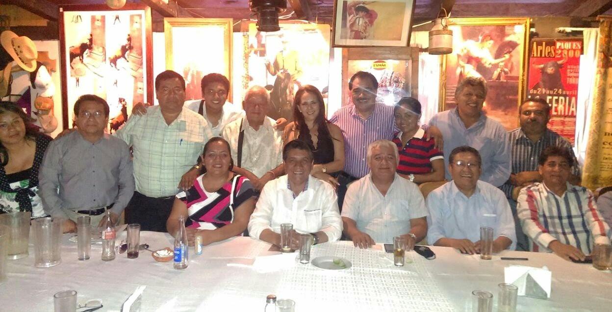 ALCALDE MARIO MORENO ARCOS, CON MIEMBROS DEL CLUB DE PERIODISTAS DE GUERRERO