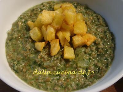 minestra asciutta di orzo spezzato e crema verde