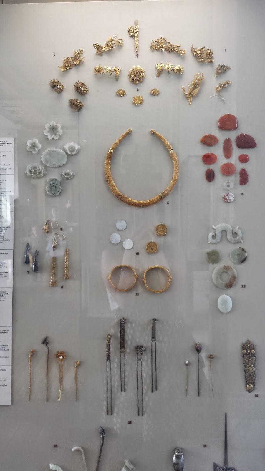 Jewelry likely worn by noblewomen in ancient China