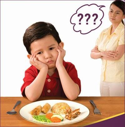 Tại sao bé chán ăn?