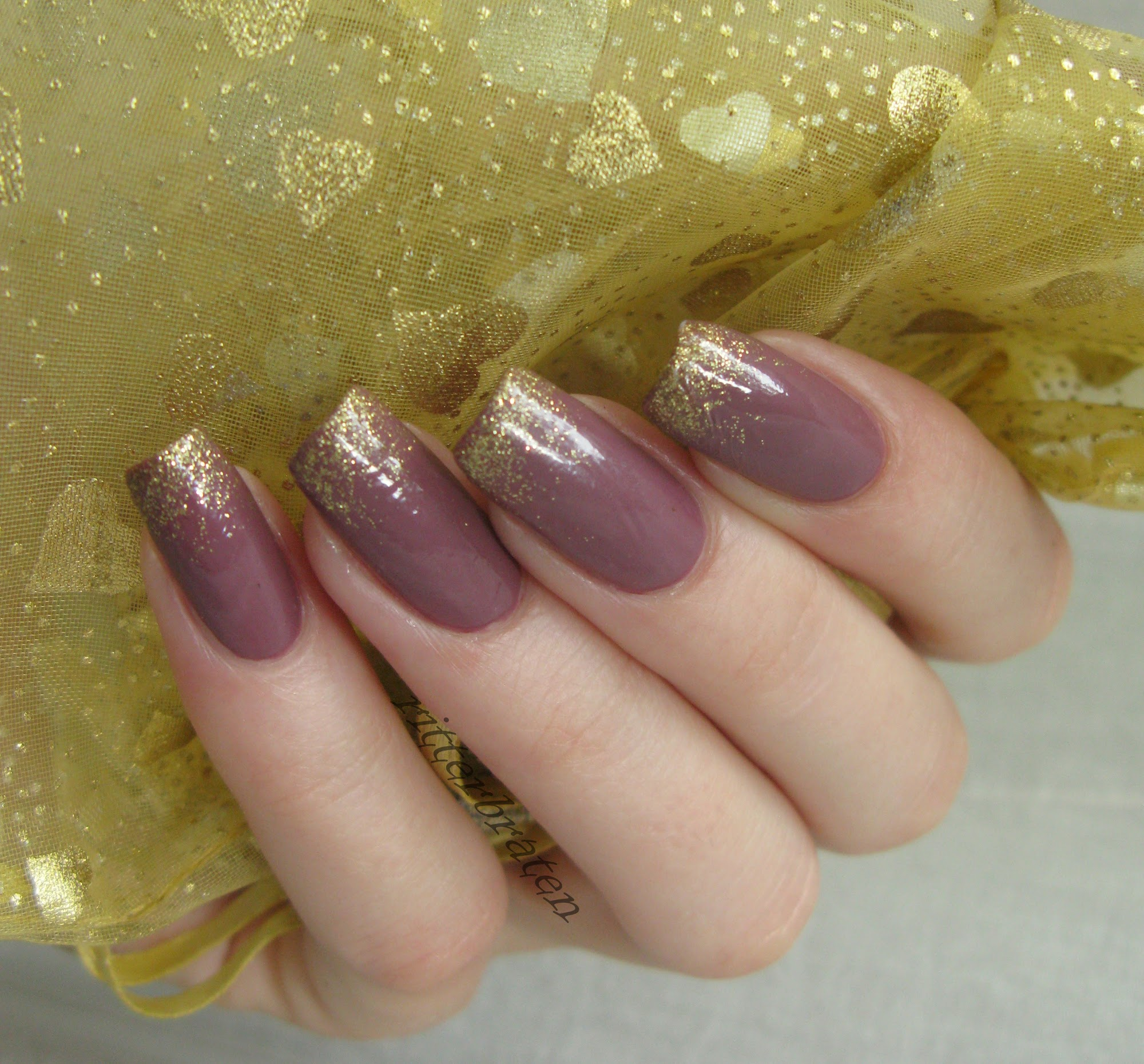 Essie Island Hopping swatch sponging gradient gold