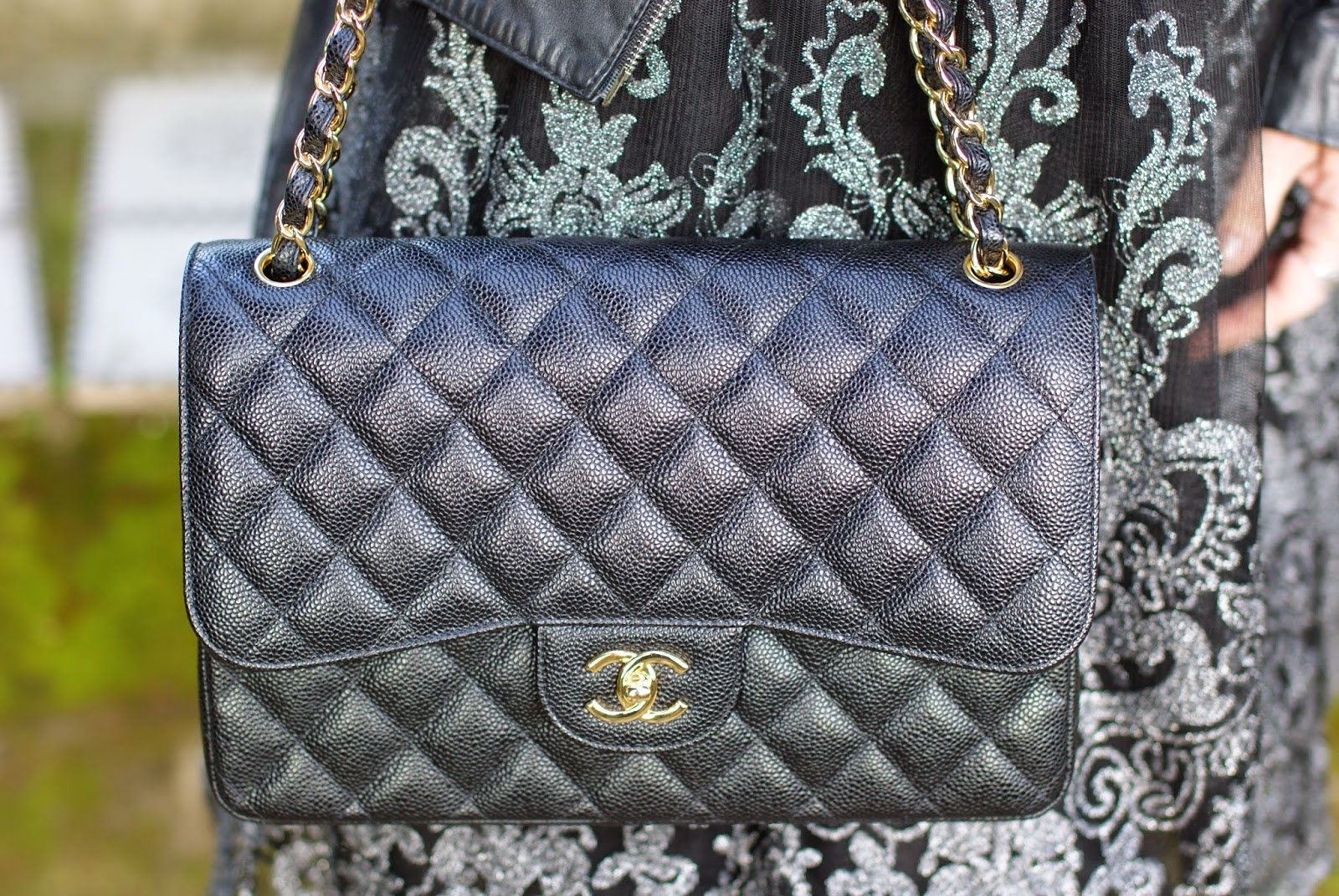 Chanel classic flap bag, Chanel caviar leather bag, Chanel 2.55 bag, Chanel gold hardware, Fashion and Cookies, fashion blog, fashion blogger