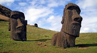 Misteri Bergesernya Patung Moai di Pulau Paskah