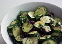 Salada de Pepino com Sementes de Papoula (vegana)