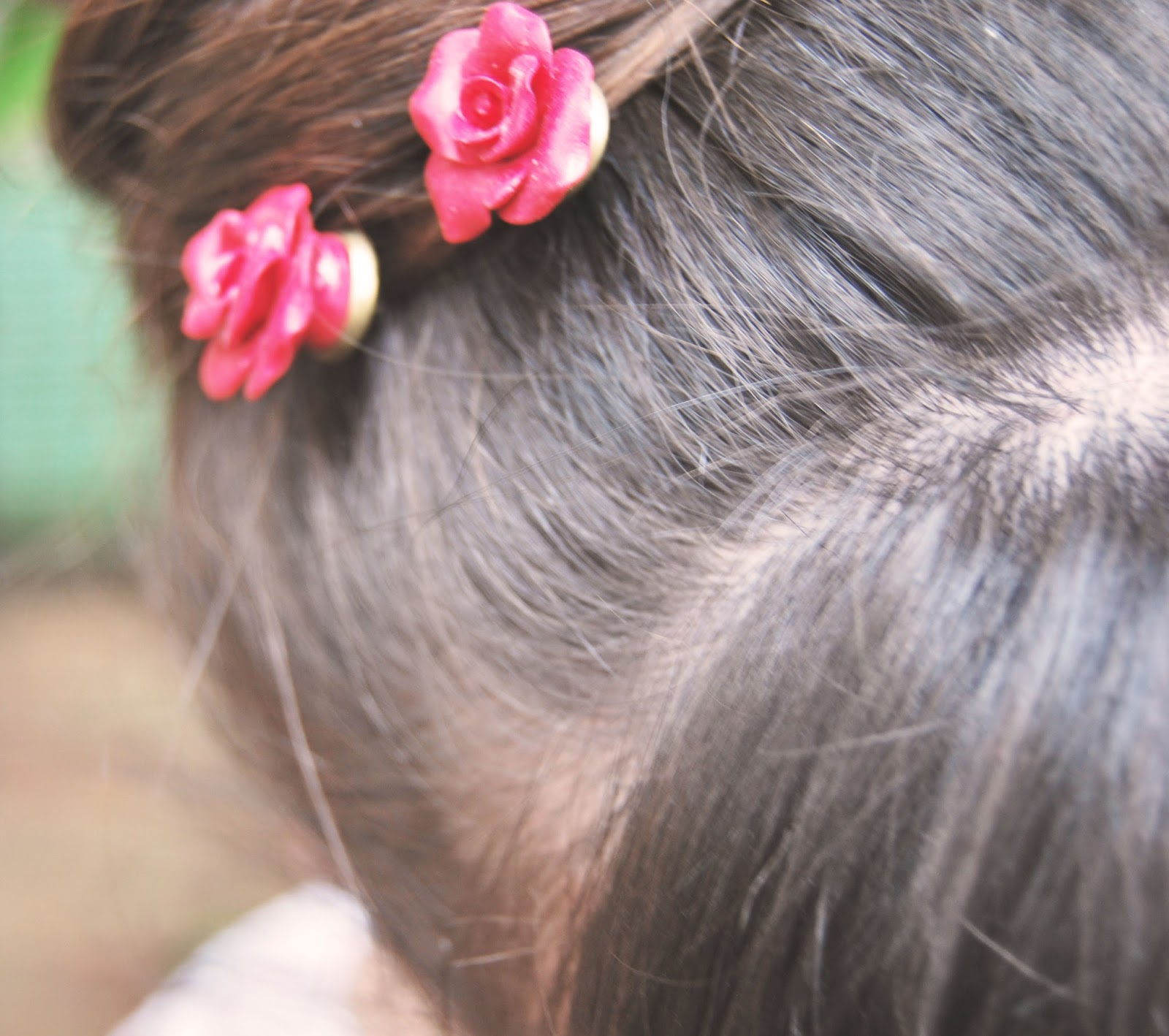 red roses bobby pin