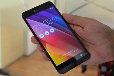 Perbandingan Motorola Moto G 2015 vs. Asus Zenfone 2 Selfie
