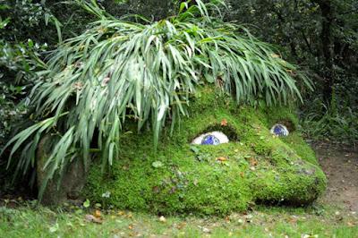 http://3.bp.blogspot.com/-wgbK-oe9aLU/VgL3dWw4iBI/AAAAAAAAYX4/zC1FqYsX43Y/s640/lost-gardens-of-heligan-cornwall-16.jpg