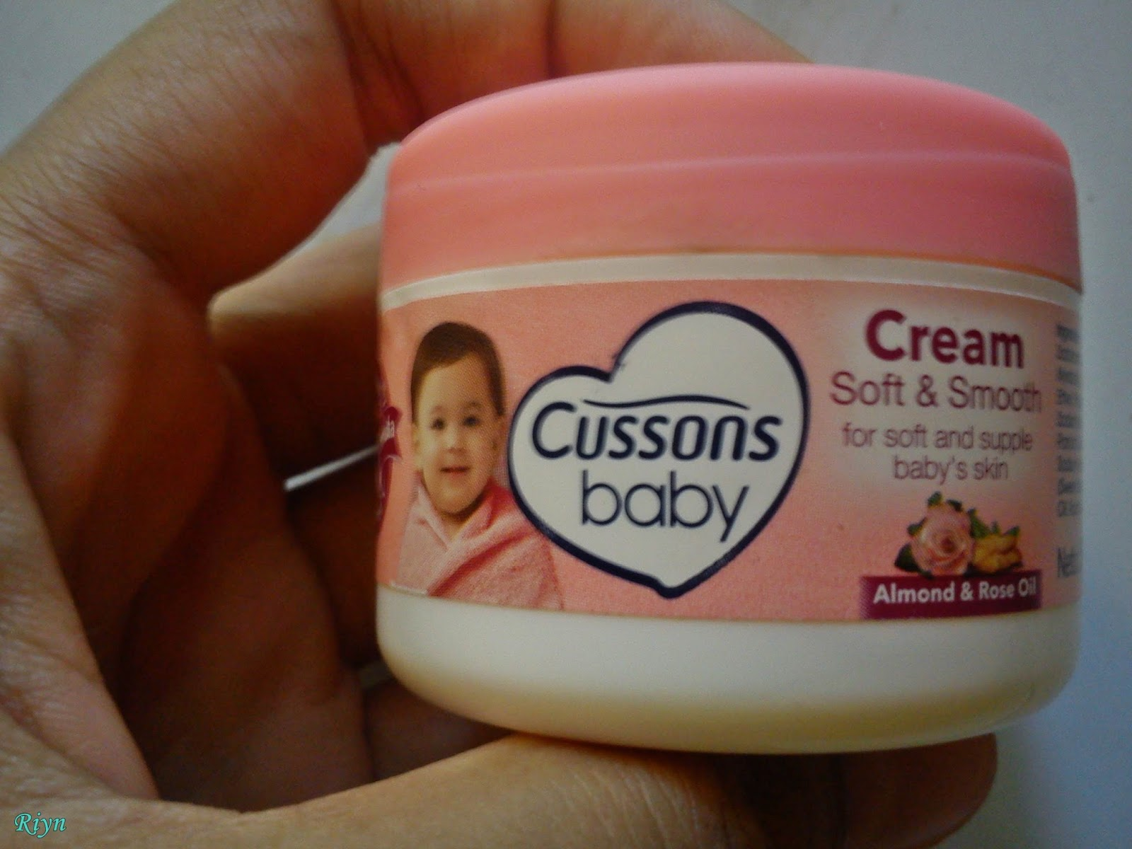Riyns Virtual Home REVIEW Cussons Baby Cream Sebagai