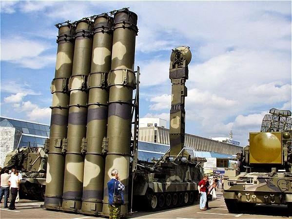 Rusia Tawarkan Rudal Anti-Pesawat Terbaru ke Iran