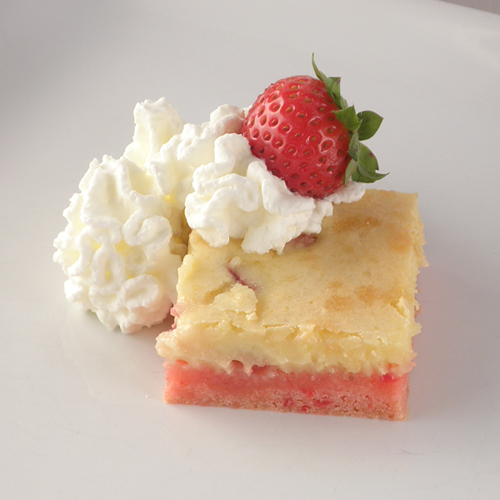 Food Pusher Strawberry Ooey Gooey Butter Cake