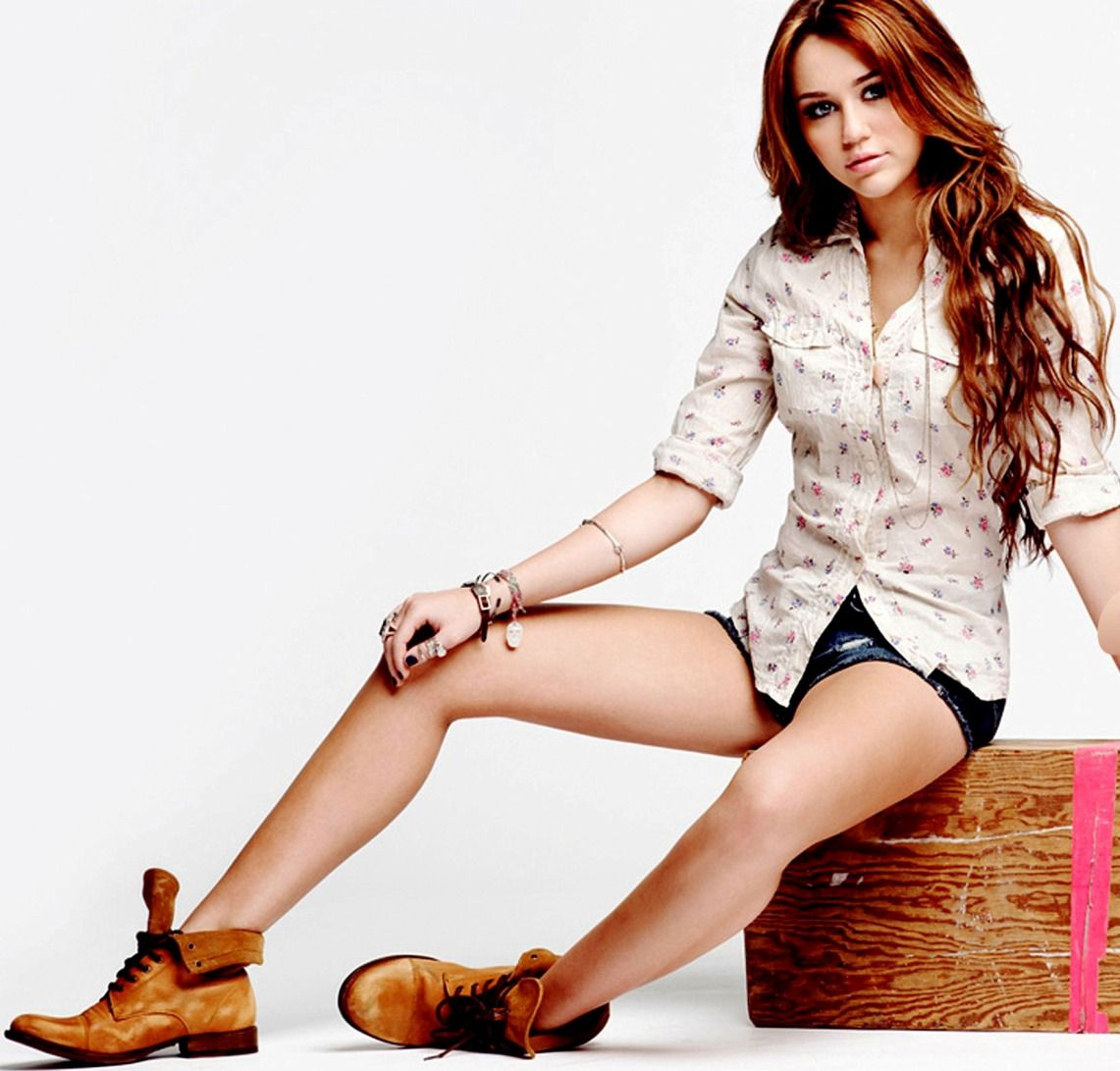 Miley Cyrus: Miley Cyrus New HD Wallpapers 2013