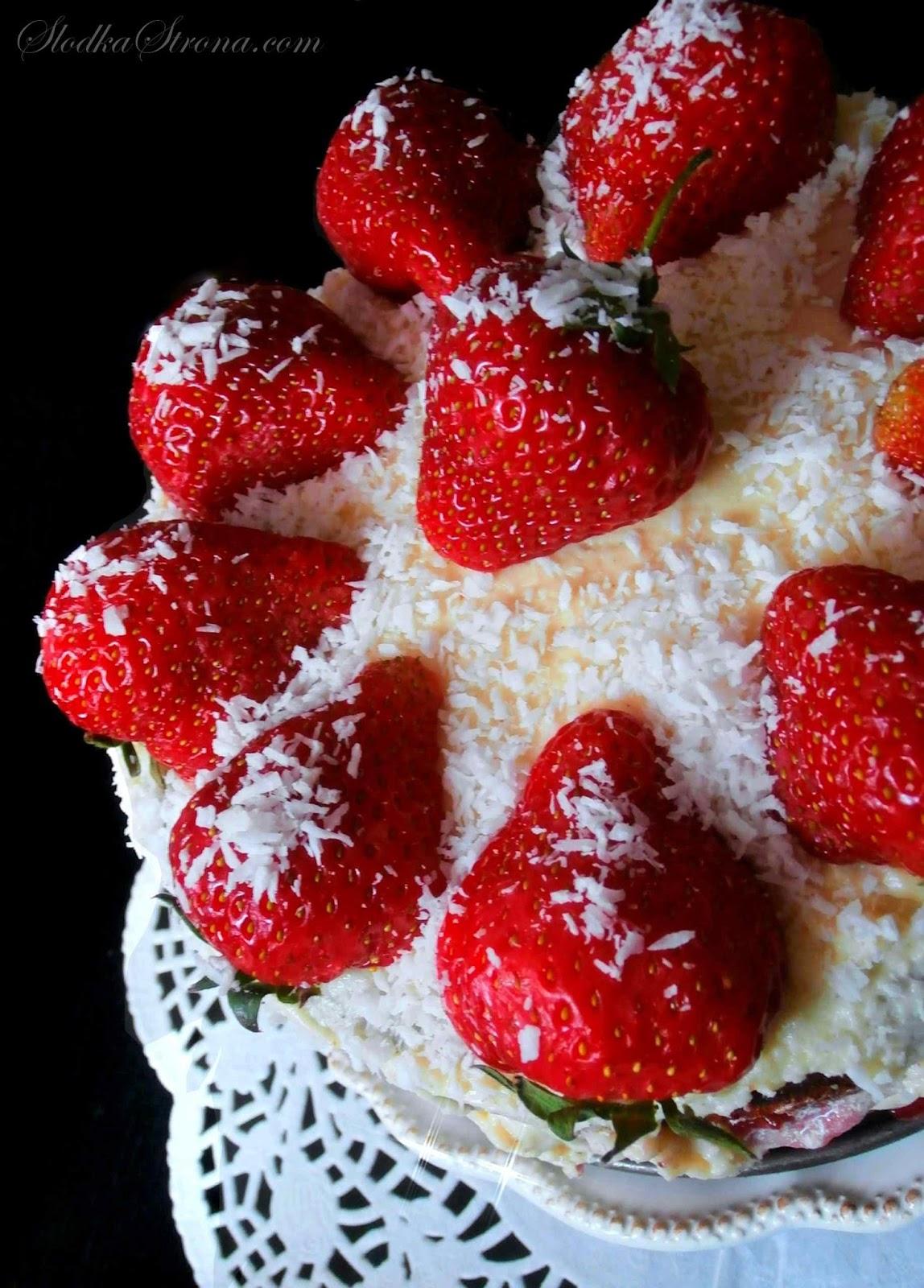 tort truskawkowy przepis