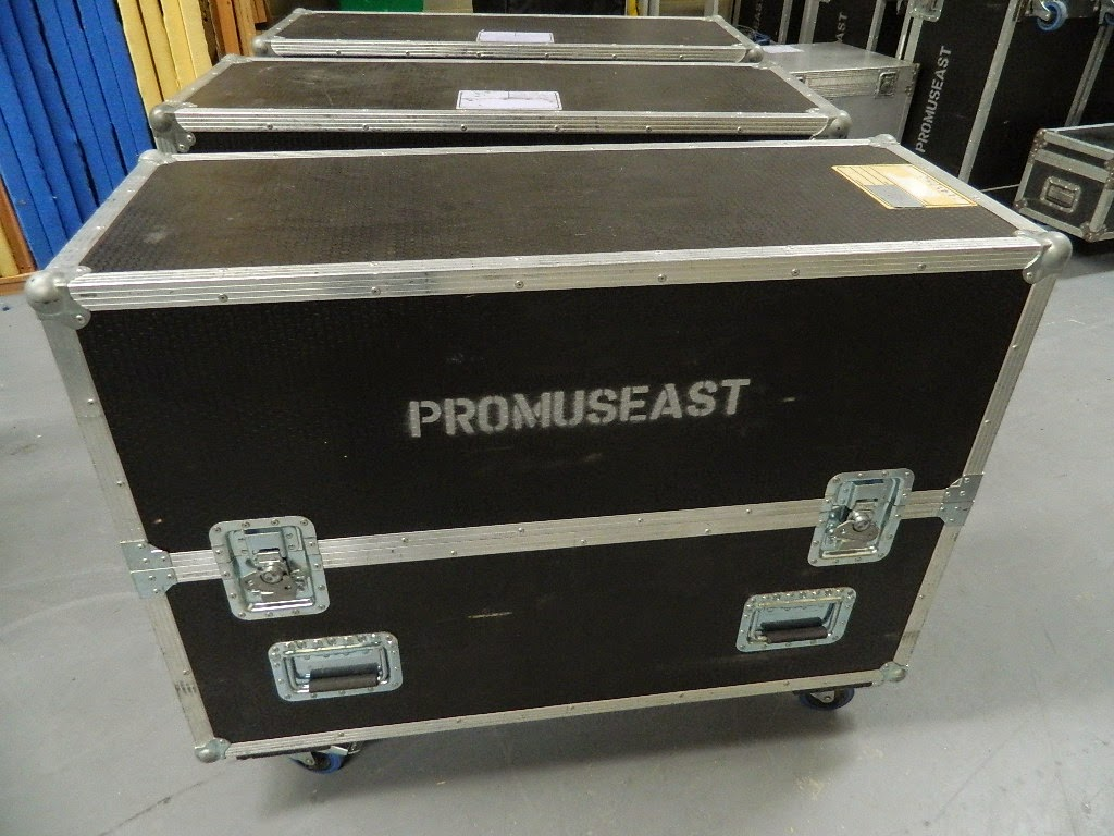 For sale flat screen tv flight case regular size 99 one one two - Fabriquer flight case ...