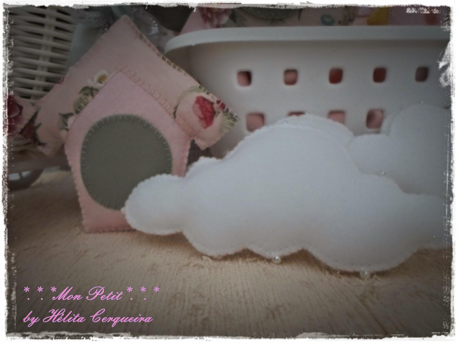 casa de passarinho-nuvens-feltro-tecido