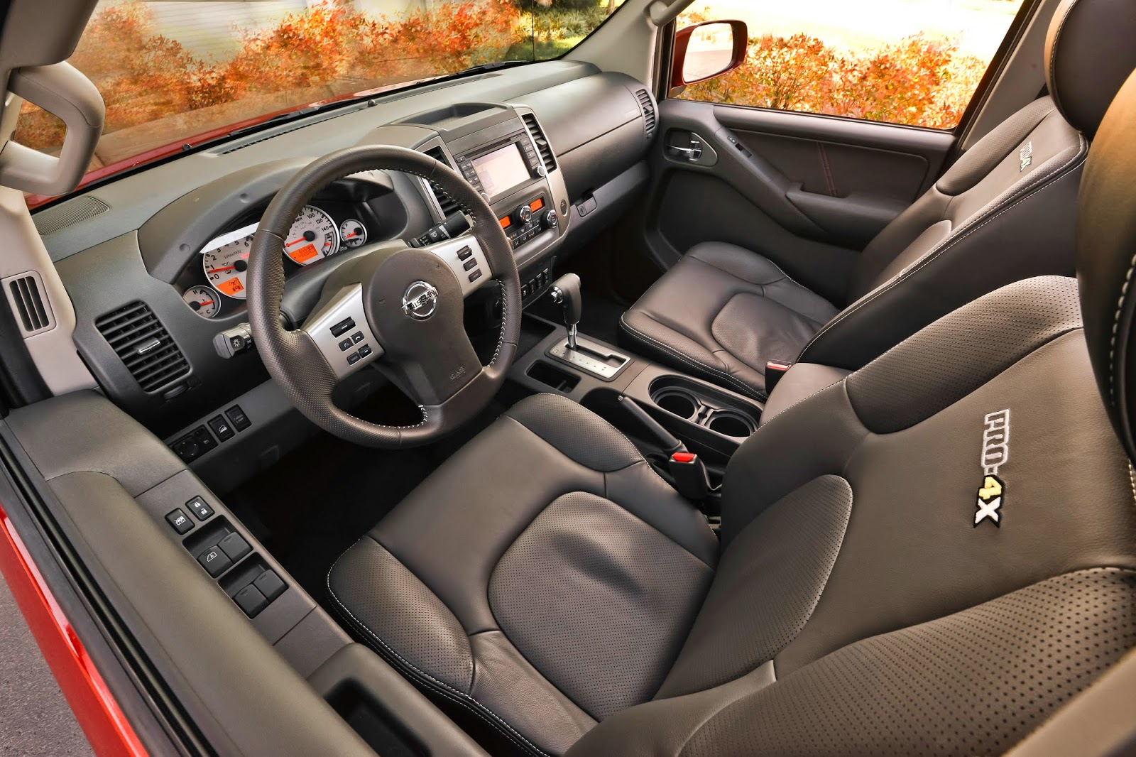 Interior view of 2014 Nissan Frontier PRO-4X
