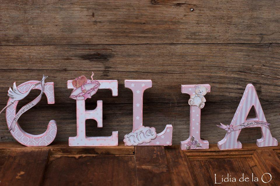 Trapped in the scrap nombres en madera decorados con papeles scrapbooking - Como decorar letras de madera ...