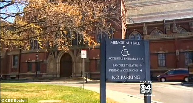 http://3.bp.blogspot.com/-whsuNzGU9Bs/U3J-2PQEh1I/AAAAAAAAVZw/1Jv-xpzWoJs/s1600/Sal%C3%A3o+Memorial+de+Harvard+onde+a+missa+negra+foi+cancelada.jpg