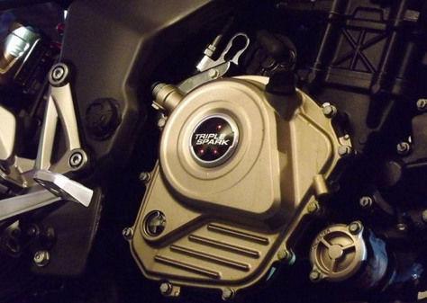new-bajaj-pulsar-200ns-engine.jpg
