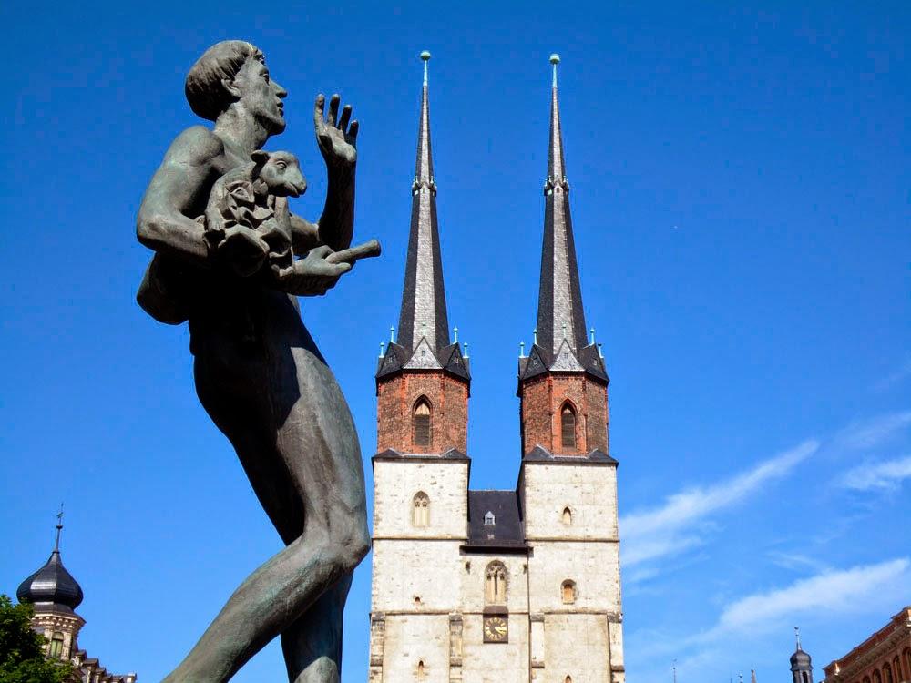 Hallmarkt fountain, Halle