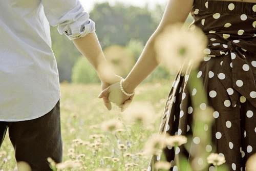 Đâu chỉ là cái ôm, cái hôn chặt là thể hiện tình yêu