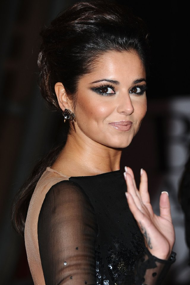cheryl cole hot kiss. replacing Cheryl Cole.