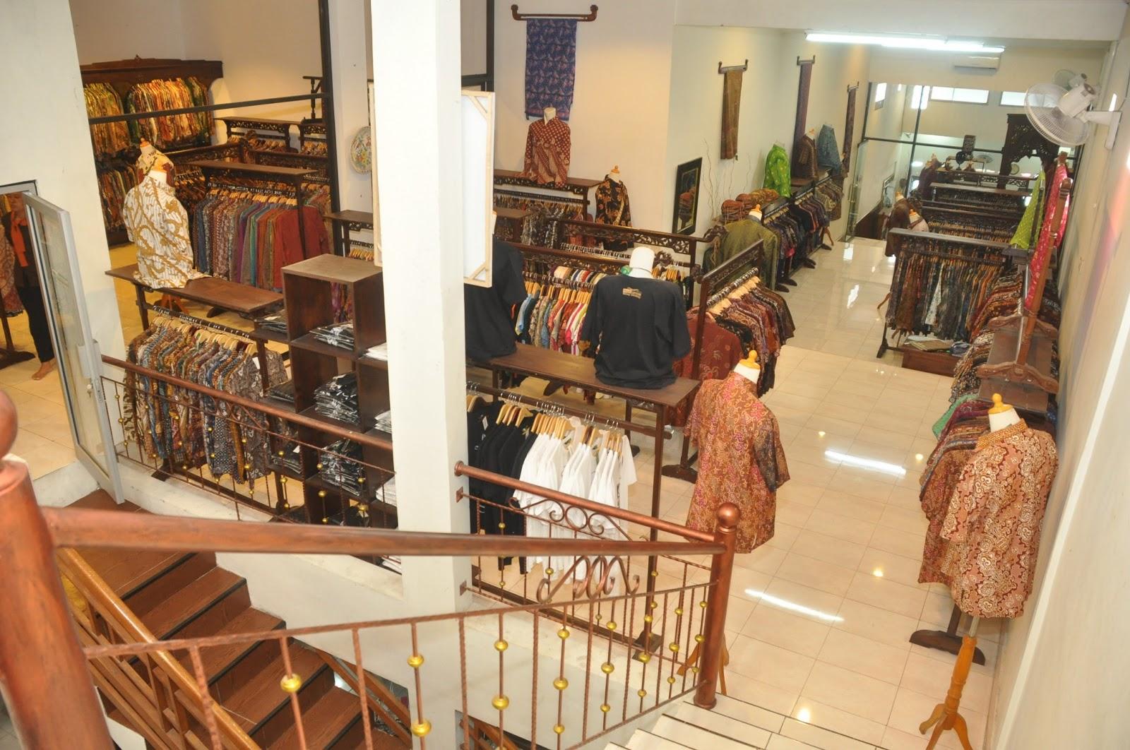 Batik Omah Laweyan terdiri dari 4 Lantai dan 1 Basement