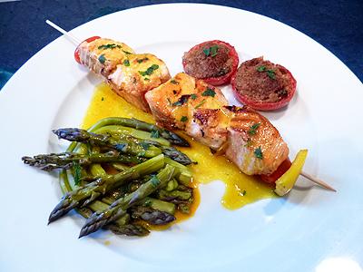 Brochettes de saumon sauce safran sur plancha blogs de for Poisson a la plancha