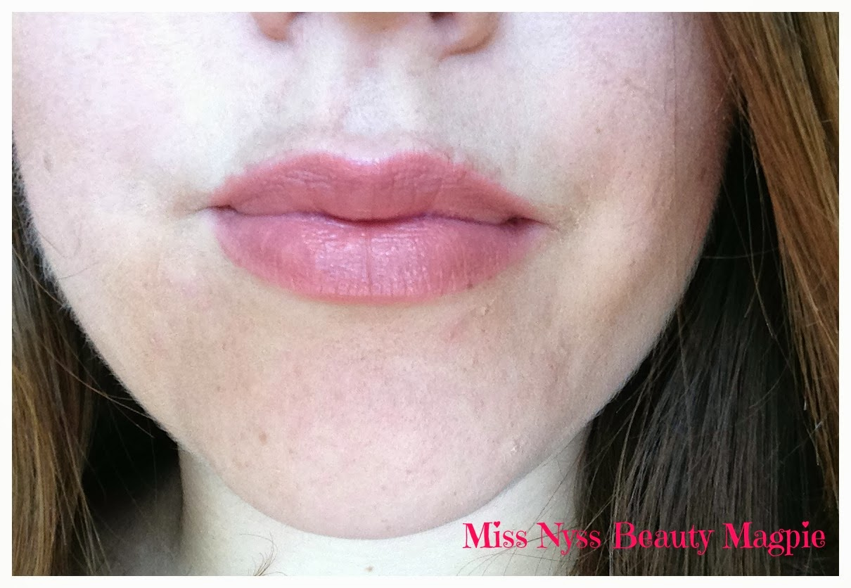 ★ Miss Nyss Beauty Magpie ★: MAC Lipstick in Patisserie