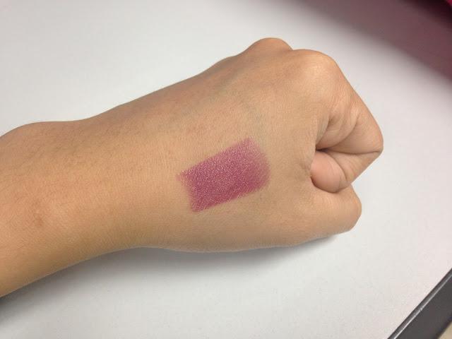 L'Oreal Color Riche Lipstick - 710 Mulberry - SWATCH