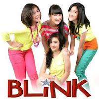foto girlband blink putih abu abu season 2