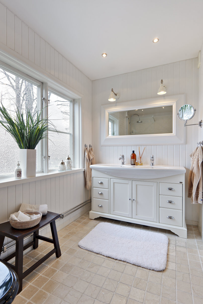 New england styled baths for New england interior designs