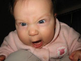 ekspresi marah bayi