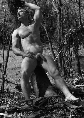 Derrick Davenport naked