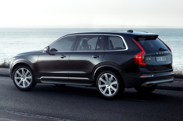 2016 New Volvo XC90 Edition T6 back view