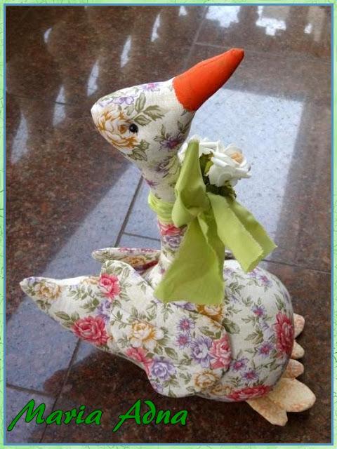 Bonecos em pano, Bonecos em tecido, Ganso em tecido, Ganso de pano, Textile goose, Fabric goose, Textile toy, textile decorative goose, textile proud goose. Rag toy, Rag toy animals, Rag toy goose, Rag animals, Rag animal doll