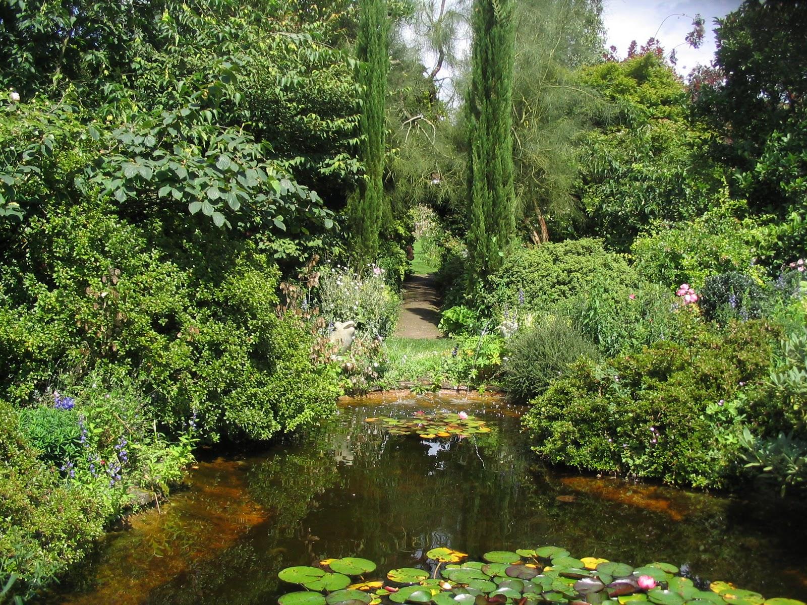 Matin lumineux jardins de la petite rochelle for Entretien jardin la rochelle