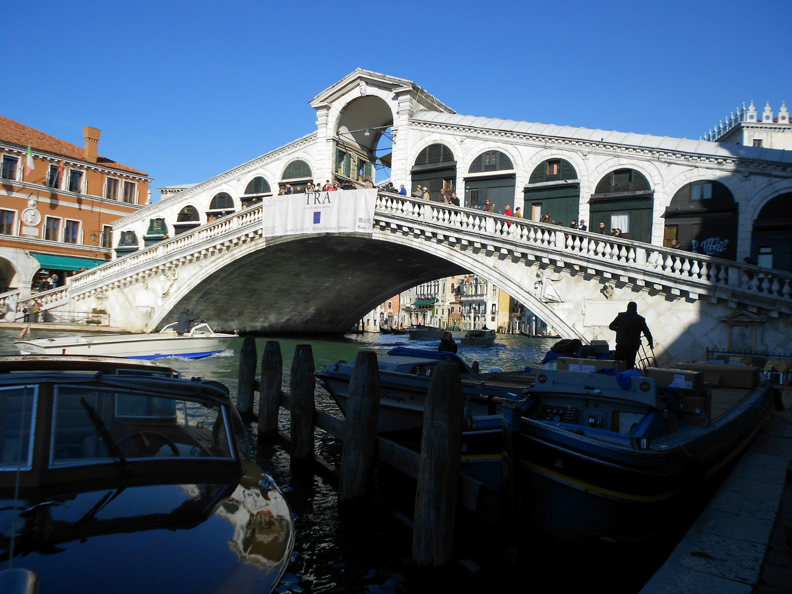 The Clumsy Traveler: Venice: A Newbie Finds the Rialto Bridge