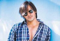 Vivek Oberoi daredevil aerial stunts in Krrish 2 Movie