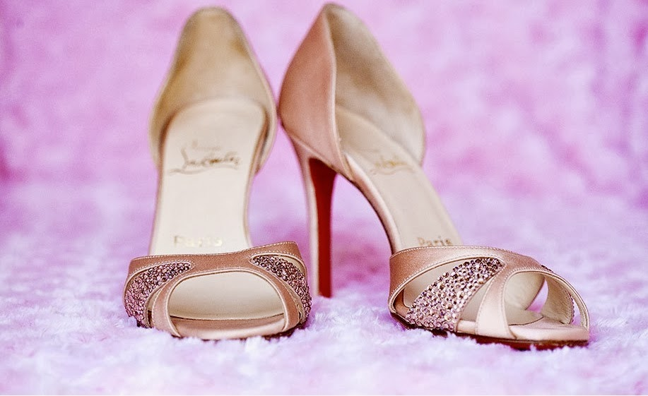 ... A Classic Wedding Theme, The Bride Of The Entire Team. Wedding Shoes  For That Purpose Should Be Simple Beauty. Such As Pumps And Sling Pink  Satin Shoes ...